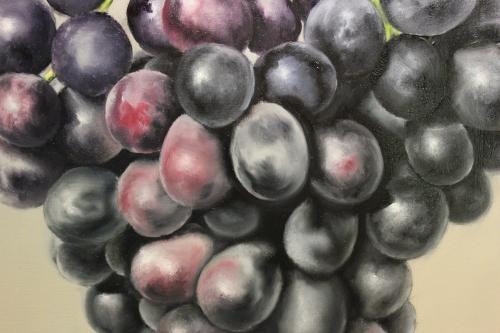 painting grapes closeup